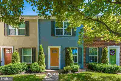 461 Arwell CT #461 Frederick, Beautifully updated townhome -