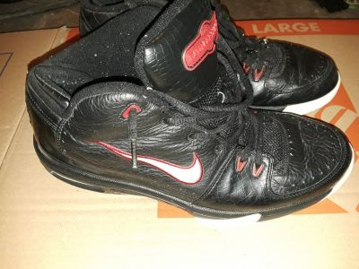 Men's Nike Air BattleGrounds Basketball Shoes US 13