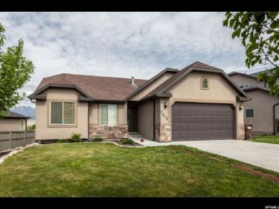 4BR  beautiful rambler for sale located in a quite neighborhood