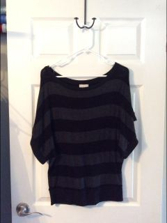 About a girl Black and Gray stripe short sleeve light weight sweater - size Small