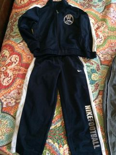 NIKE warm up suit! like new, 4T