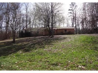 3 Bed 1.1 Bath Foreclosure Property in Statesville, NC 28677 - Hillndale Rd