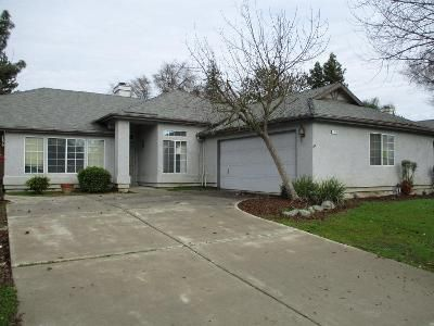 4 Bed 2 Bath Foreclosure Property in Fresno, CA 93722 - W Sussex Way