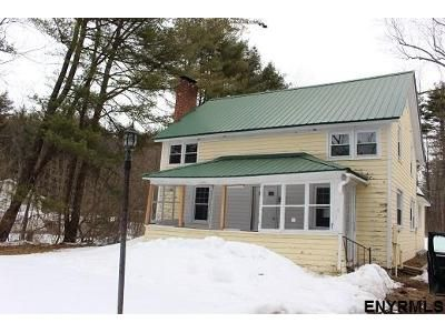 3 Bed 1.5 Bath Foreclosure Property in Broadalbin, NY 12025 - County Highway 110