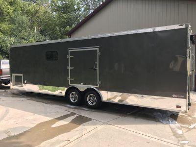 28' Enclosed trailer