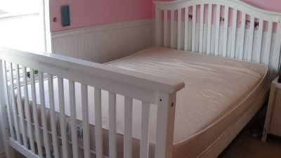 White Full Sized Bed/convertible crib with like new full sized mattress