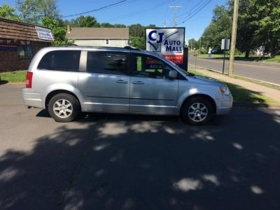 2010 Chrysler Town & Country Touring (Silver)