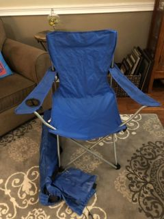 Collapsible lawn chairs (2) w bags