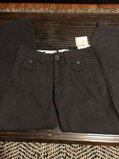 New With Tags, American Eagle Size 8 Low Rise Slouchy Pants.