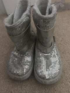 Stride rite silver sequin boots size 9