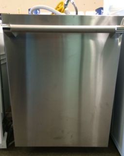 "Thermador 24"" Built in Dishwasher-NSD"