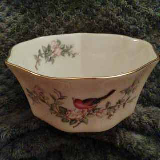 """Lenox """"Serenade Collection"""" Fluted Bowl"""