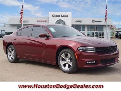 2018 Dodge Charger SXT (Octane Red Pearlcoat)