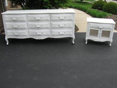 9 Drawer Vintage 1970s French Henredon Dresser & Nightstand-White