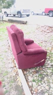 Recliner/rocker color burgundy