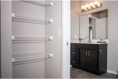 Modern new studio, 1, 2, & 3 bedrooms in Northeast Minneapolis. Parking Available!