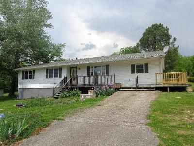 3 Bed 1 Bath Foreclosure Property in Buena Vista, VA 24416 - E 32nd St