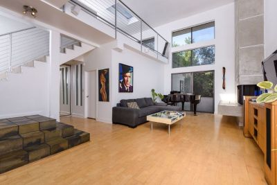 Luxury penthouse - roomate wanted