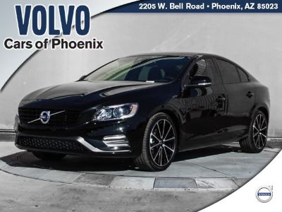 2018 Volvo S60 T5 Dynamic (Onyx Black Metallic)