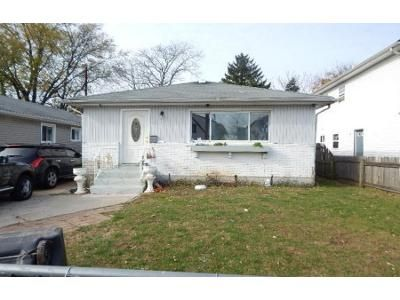 2 Bath Preforeclosure Property in Hempstead, NY 11550 - Mason St