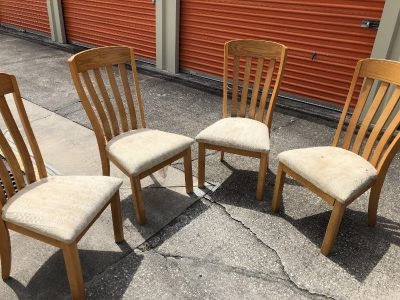 Set o f Four (4) High Back Dining Chairs. Need Seat Covers Real Sturdy Chairs. Wood Portion EUC