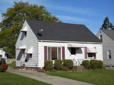 2 Bed 1 Bath Preforeclosure Property in Cleveland, OH 44125 - Shady Oak Blvd