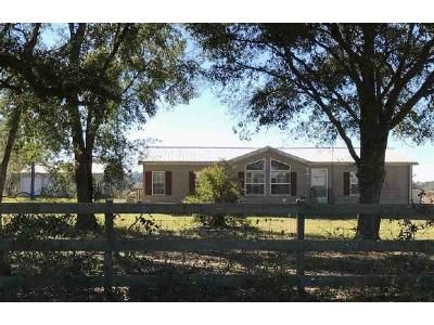 3 Bed 2 Bath Foreclosure Property in Chiefland, FL 32626 - NW 50th St