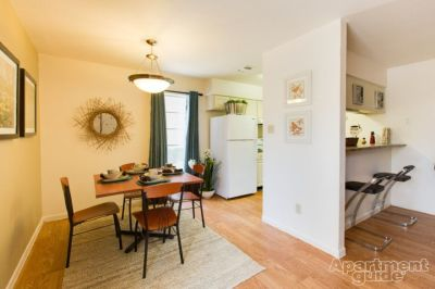 $420, CHEAP sublease available