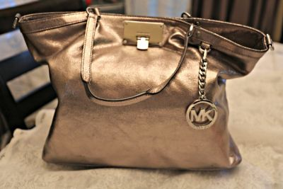 MICHAEL Kors SILVER Handbag (looks gold in pic but it's silver!)