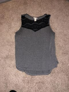 H&M women s cute top size medium great condition