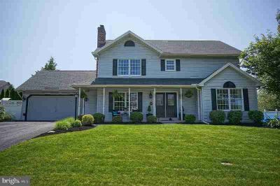 845 Club House Dr MECHANICSBURG, Completely renovated 4