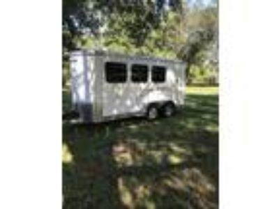 2010 Shadow horse trailer like New