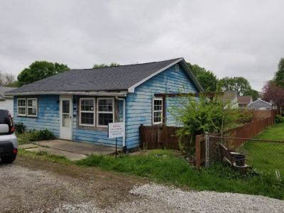 Single Family Needs TLC! Lowered to $12,900!