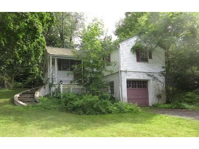 3 Bed 1 Bath Foreclosure Property in Valley Cottage, NY 10989 - Miller Rd