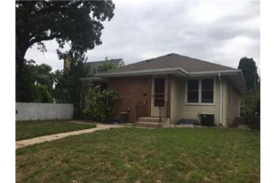 Charming side by side duplex - new carpet, paint!