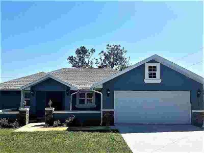 """15257 SE 94th Terrace Summerfield Three BR, """"2018"""" built home in"""