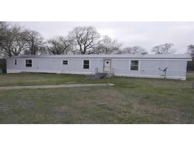 3 Bed 2 Bath Foreclosure Property in Lott, TX 76656 - County Road 305
