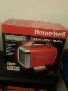 Honeywell ceramic utility heaters