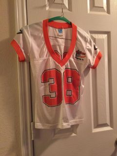 Women's Size Small Hooters Jersey