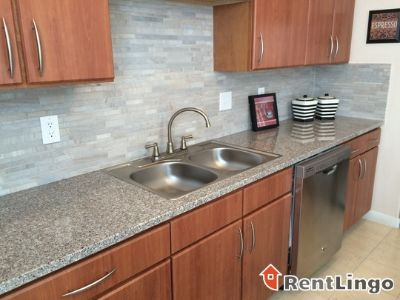 $815, 2br, Modern 2 bd/1.0 ba Apartment in Memphis available 02/21/2018
