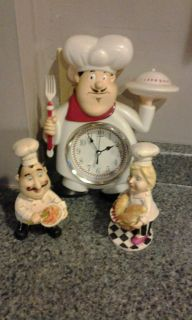Kitchen decor, clock 11 inches high by 8 inches. Chefs stand 7.5 inches. Cute.