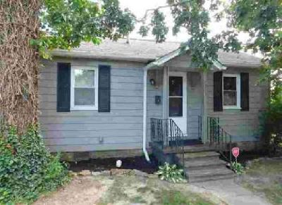 2050 Clay Street Paducah, Great starter home!