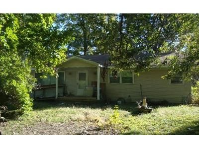 3 Bed 2 Bath Foreclosure Property in Loami, IL 62661 - Elm St