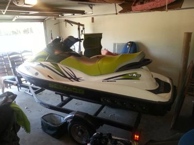 jet ski low hours garage kept includes trailer cover and 2 life jacket