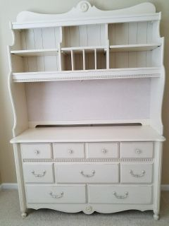 Dresser with Hutch and Side Night Stand