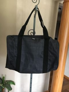 Thirty One Duffle Bag new never used