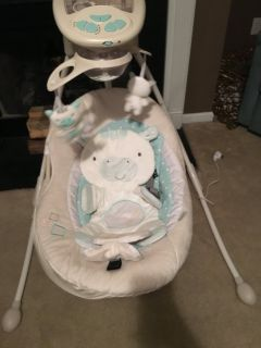 Fisher price Baby swing cradle and swing