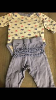 Outfit size 0-3 months