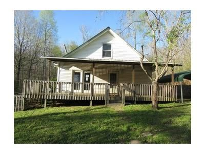4 Bed 1.1 Bath Foreclosure Property in Waverly, TN 37185 - Clydeton Rd