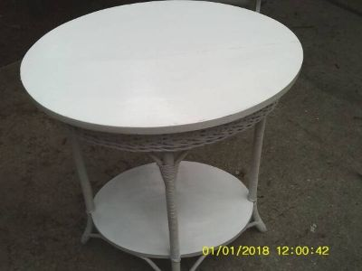 TABLE OVAL WITH WOVEN WICKER MUST SEE